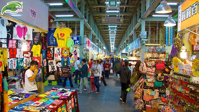 Shilin-Night-Market-56671.jpg